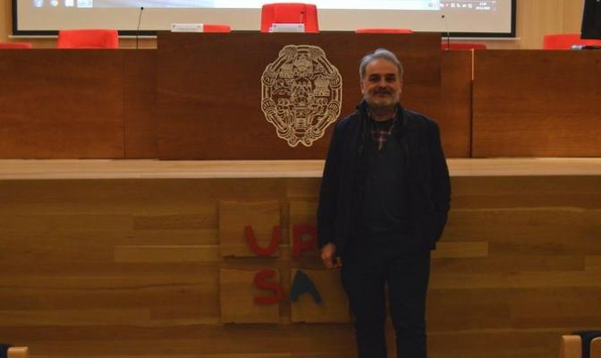Roberto Álvarez, psicólogo, en la Universidad Pontificia